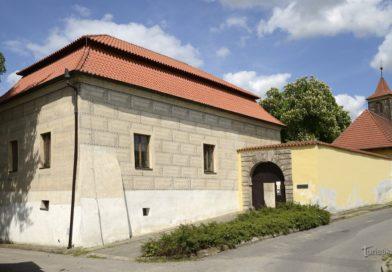 Podivné nakládání se sbírkovými předměty v čelákovickém muzeu
